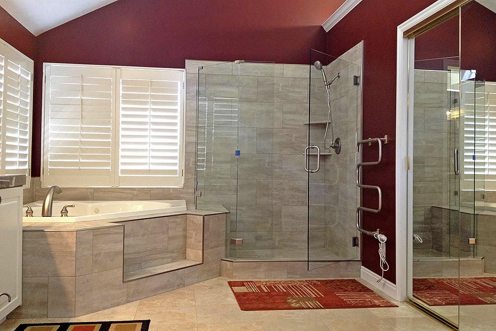 Lugo Glass | Shower Doors